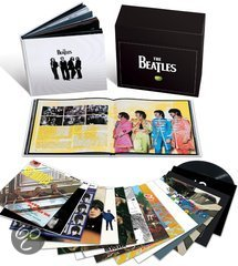 The Beatles - Vinyl Boxset, een Limited Box met 16 LPs en Boek