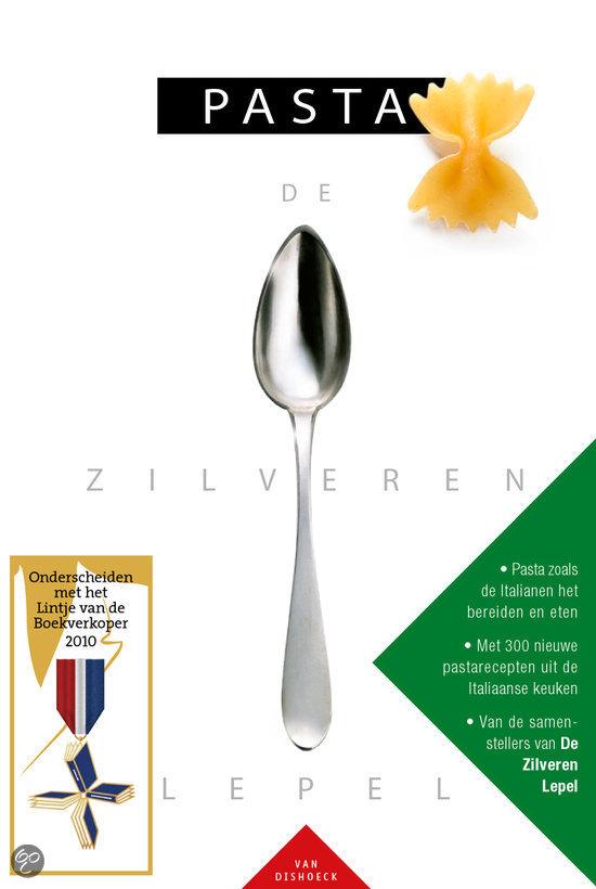 Zilveren lepel pasta