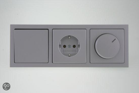 busch jaeger future linear inbouw afdekplaat 3 voudig aluminium klussen. Black Bedroom Furniture Sets. Home Design Ideas