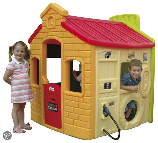 Speelhuisje buiten speelhuisjes voor kinderen het for Casa infantil jardin