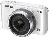 Nikon 1 S1 + 1 NIKKOR VR 11-27.5mm - Systeemcamera - Wit