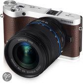 Samsung NX300 + 18-55mm + SEF-8A Flitser - Systeemcamera - Bruin