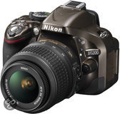 Nikon D5200 Kit brons  + AF-S DX 18-55 mm VR