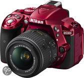 Nikon D5300 + AF-S DX 18-55 VR II - Spiegelreflexcamera - Rood