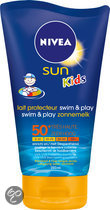 NIVEA Kids swim and play SPF 50+ - Zonnemelk