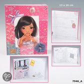 TopModel Nyela's Design Book