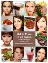 Eet Je Mooi In 28 Dagen hét beautyrecept op basis van wetenschappelijk onderzoek Inge de Munnik