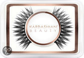 Kardashian Beauty Flirt - Nepwimpers