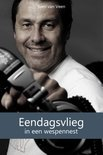 Eendagsvlieg in een wespennest (ebook)