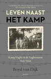 Leven naast het kamp