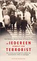 Cover voor - In Iedereen Schuilt Een Terrorist