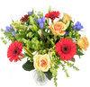Boeket van bonte kleuren verse bloemen