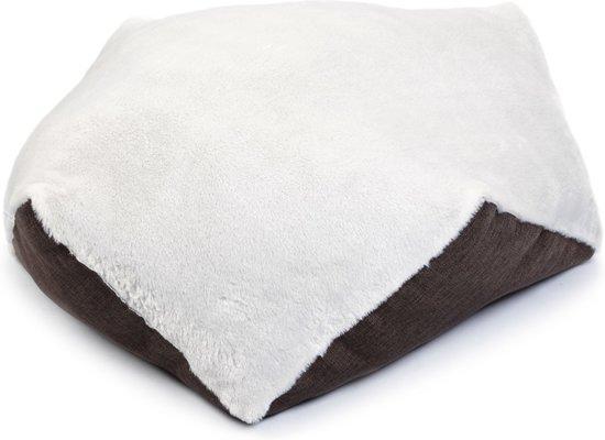 Beeztees textiele ligpoef Esagono. Bruin, creme. 50 x 50 cm. in Kleinder-Liempde