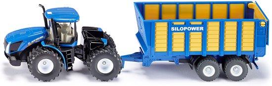 SIKU 1947 Tractor met Silagewagen in Reahûs / Roodhuis