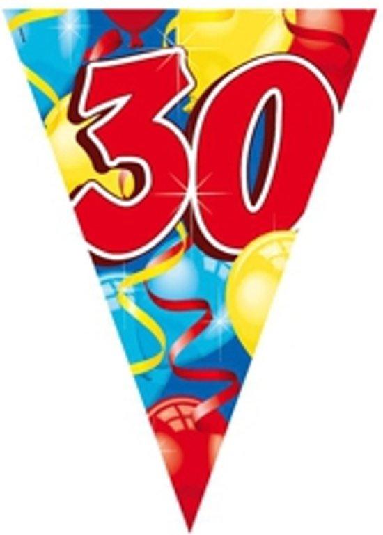 30 jaar vlaggenlijn 6 meter in Bierset