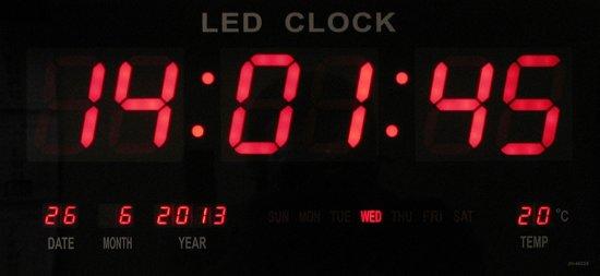 led klok led number clock 47 x 23 cm met temperatuur kalender weergave led ver. Black Bedroom Furniture Sets. Home Design Ideas