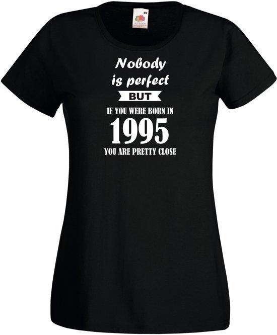 Mijncadeautje - Dames T-shirt - Nobody is perfect - geboortejaar 1995 - zwart - maat M in Abbengawier / Abbenwier