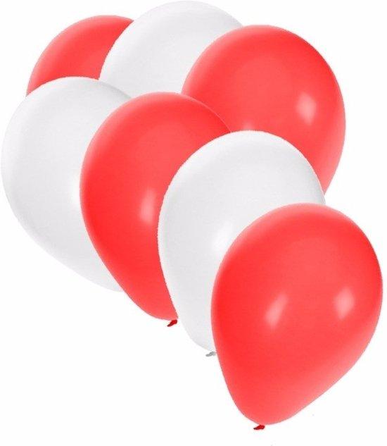 30x Ballonnen wit en rood in Enkhuizen