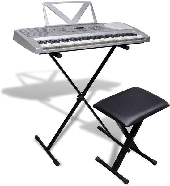 Elektrisch keyboard met 61 toetsen + verstelbare standaard en een stoel in Peij