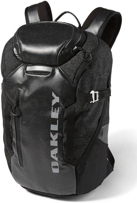 Oakley Voyage - Rugzak - Jet Black in Deinum