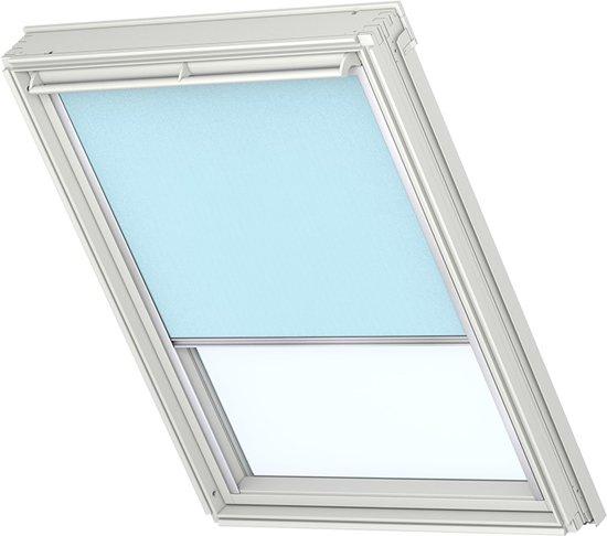 velux lichtdoorlatend rolgordijn babyblauw handbediend raamcode. Black Bedroom Furniture Sets. Home Design Ideas