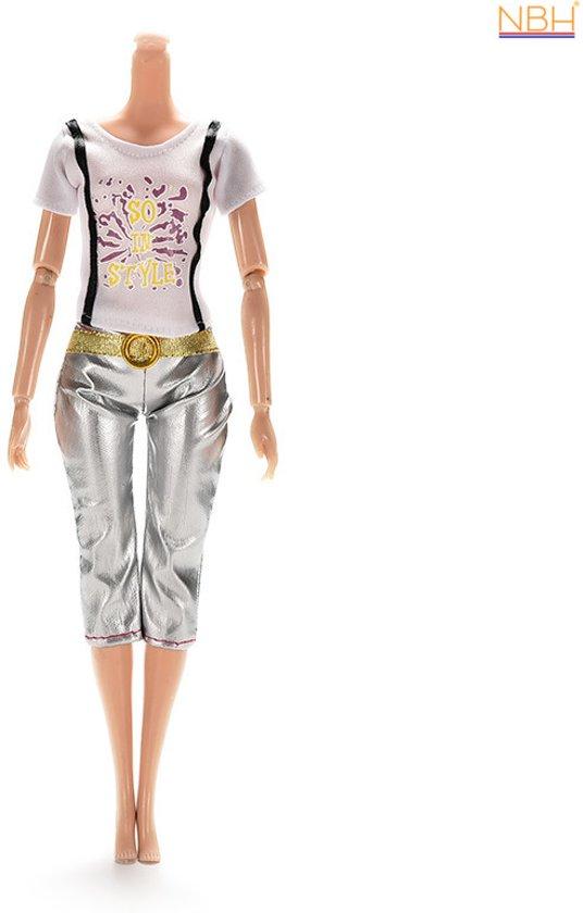 NBH® - Strak zilveren broek met wit T-Shirt voor de Barbie pop in Krab(be)buren
