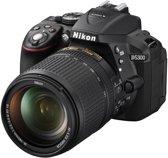 Nikon D5300 + AF-S DX 18-140 mm VR - Spiegelreflexcamera - Zwart