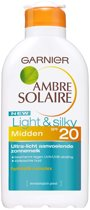 Garnier Ambre Solaire Light & Silky Milk SPF20 - Zonnebrandlotion
