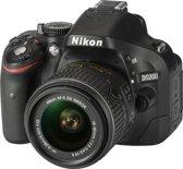 Nikon D5200 + AF-S DX 18-55 VR II - Spiegelreflexcamera - Zwart