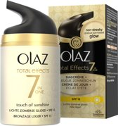 Olaz Total Effects Touch of sunshine licht zomerse gloed SPF 15 - 50 ml - Dagcrème