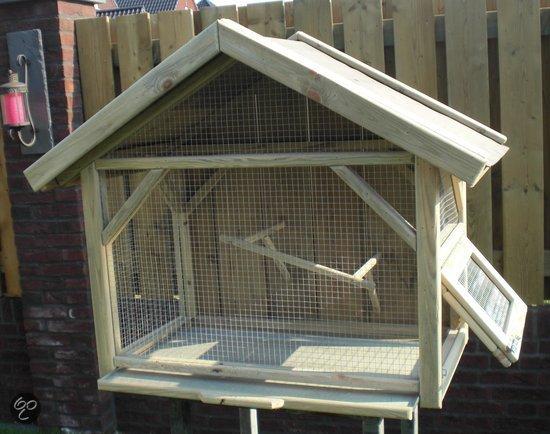 Voliere vogelkooi van hout for Huisjes voor aan de muur