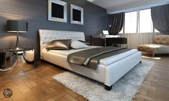 Tweepersoonsbed Inclusief Matras : Bed inclusief matras en lattenbodem elegant metalen bed saskia