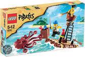 LEGO Pirates Aanval Van De Reuzeinktvis - 6240