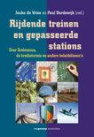 Rijdende treinen en gepasseerde stations