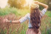 5 tips en tools die je haar sneller laten groeien