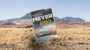 """Koorts: """"Door de schrijfstijl lijkt het of Deon Meyer het verhaal zelf heeft doorstaan"""""""