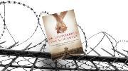 """De tatoeëerder van Auschwitz: """"Een aangrijpend liefdesverhaal in het kamp."""""""