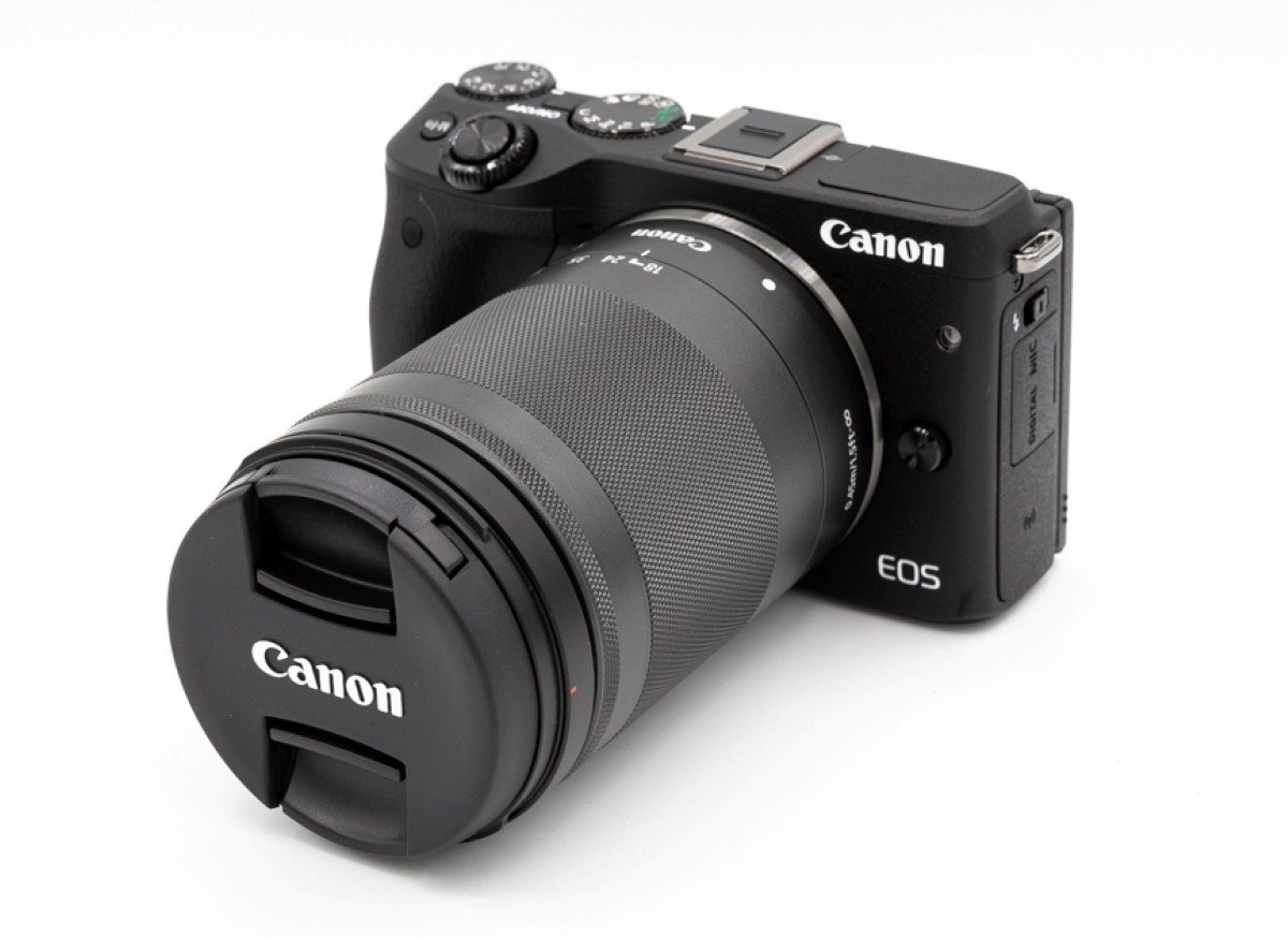 Canon EOS M3 + EF-M 18-150mm f/3.5-6.3 IS STM Black
