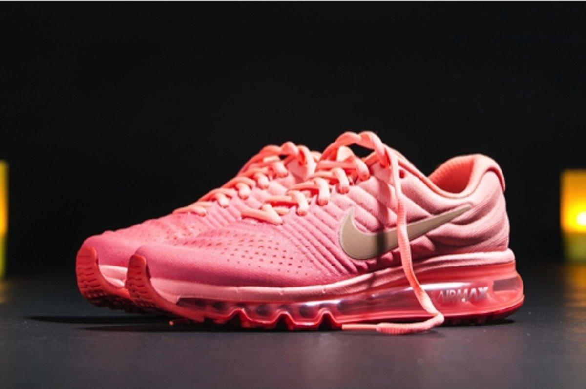 wholesale dealer 42a25 3514e bol.com | Nike Air Max 2017 - Dames / Vrouwen / Kinderen - Roze - Sneakers  - 851623-800 - Maat 36