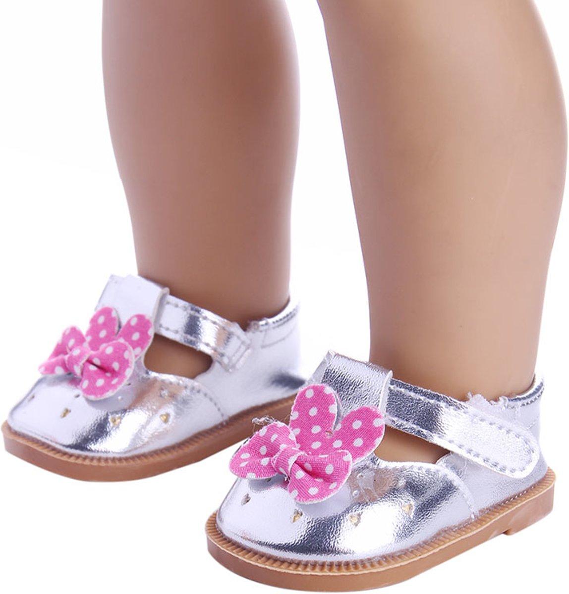 Schoentjes voor Baby Born - Zilveren schoenen met roze strikje met polkadots - Poppenschoentjes 7 cm