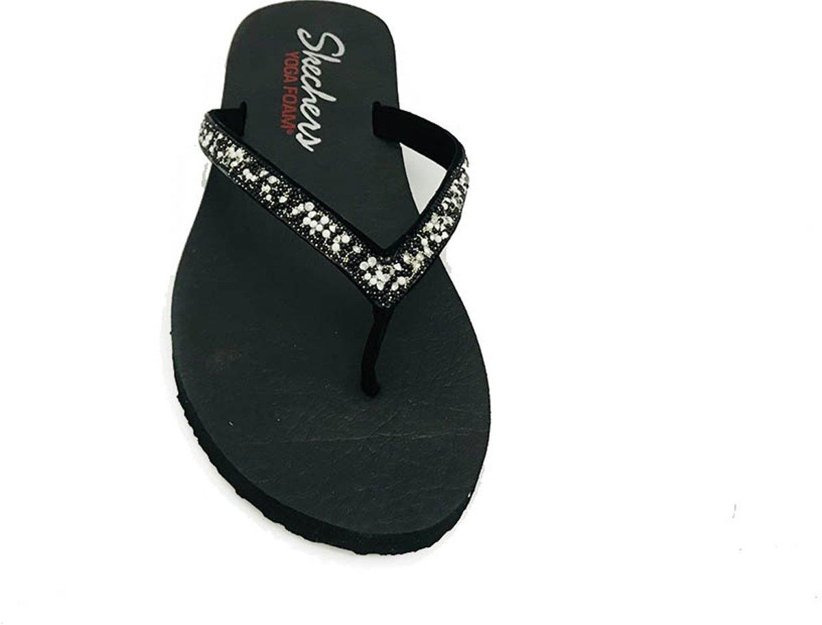 Zwarte Skechers Slippers Yoga Foam