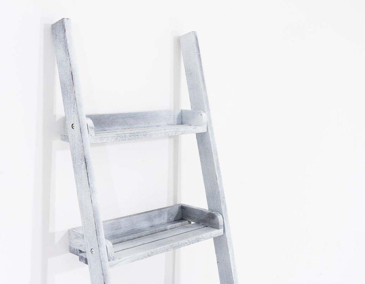 Houten Ladder Decoratie : Een houten ladder in je interieur l i f e s t y l e t h i n g s