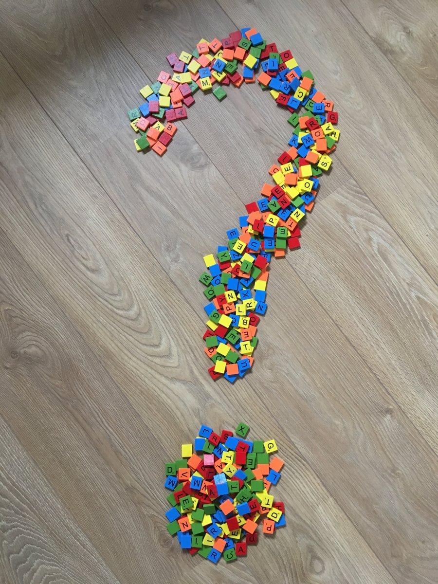 Houten scrabble letters, complete set van 100 stuks