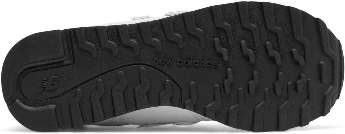 b64370f0e1d bol.com   New Balance 500 Classic Traditionnels Sportschoenen - Maat 40 -  Vrouwen - wit/goud