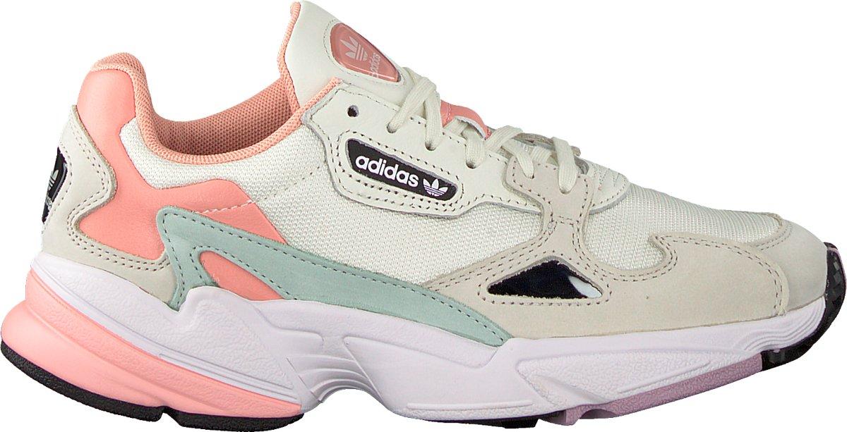 12a962f35a1 bol.com | Adidas Dames Sneakers Falcon W - Beige - Maat 40⅔