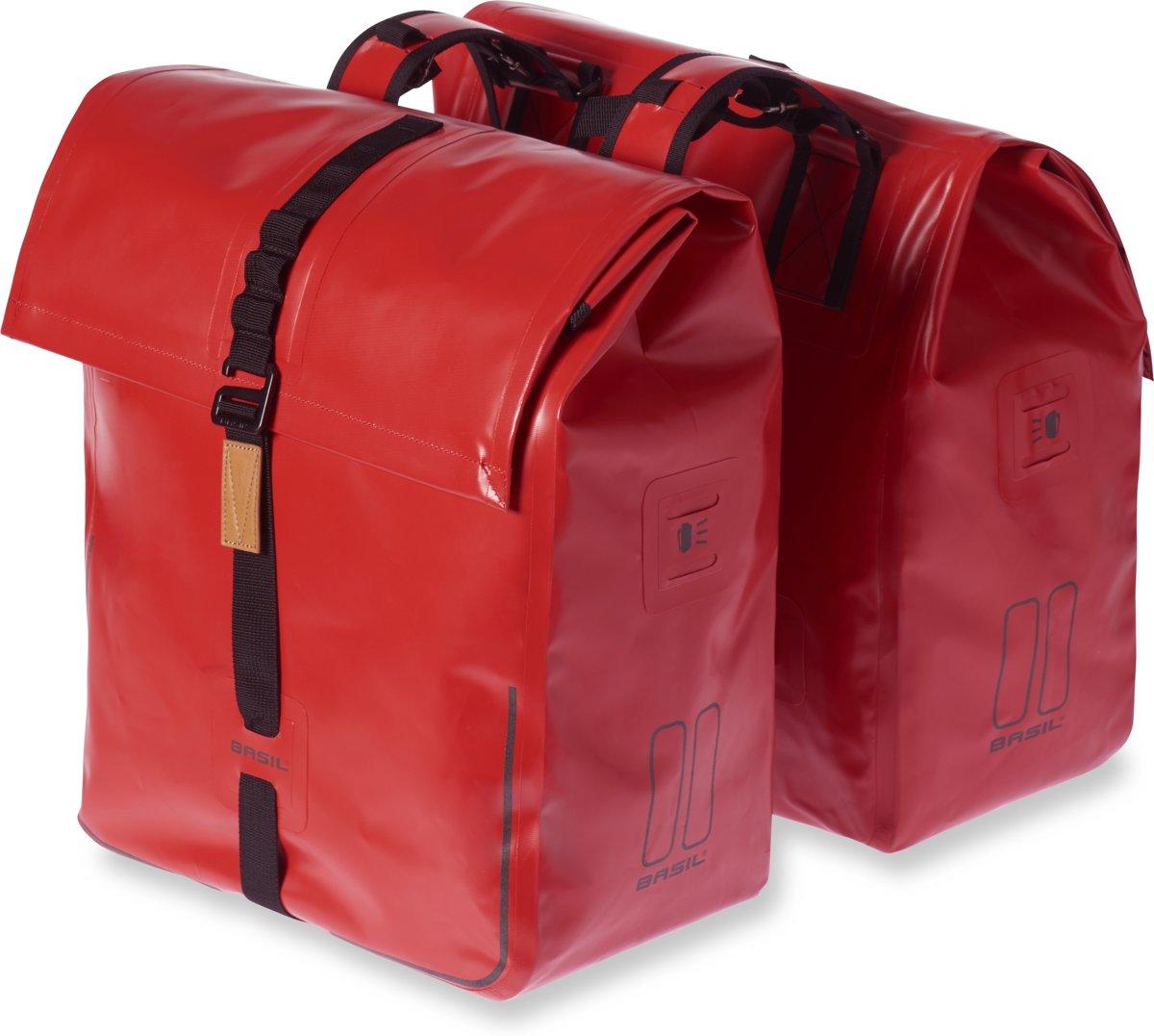 4ce34e5ddf2 bol.com | Basil Urban Dry Dubbele Fietstas - 50 Liter - Solid Red