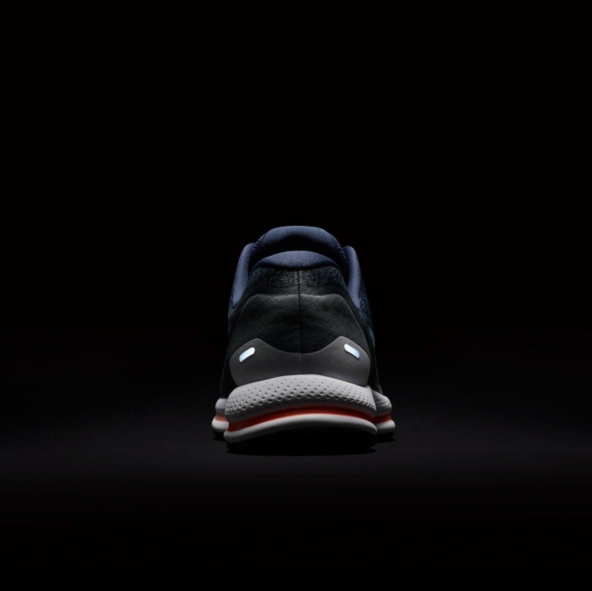 quality design 62ce6 aae73 bol.com  Nike Air Zoom Vomero 13 Hardloopschoenen Heren - Thunder Blue Cirrus Blue-Cool Grey
