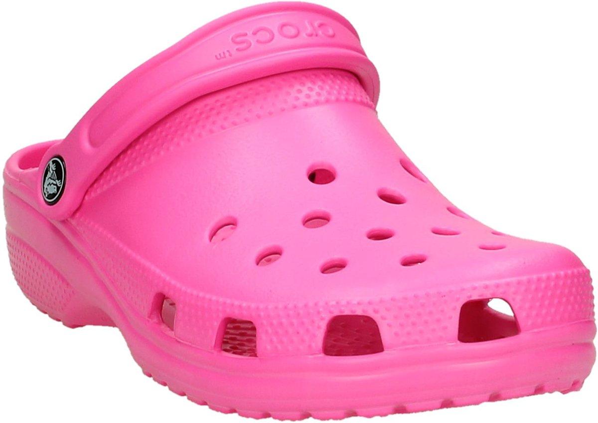 4302508ae34 bol.com | Crocs - Classic - Sportieve slippers - Dames - Maat 38 - Roze -  6L0 -Neon Magenta