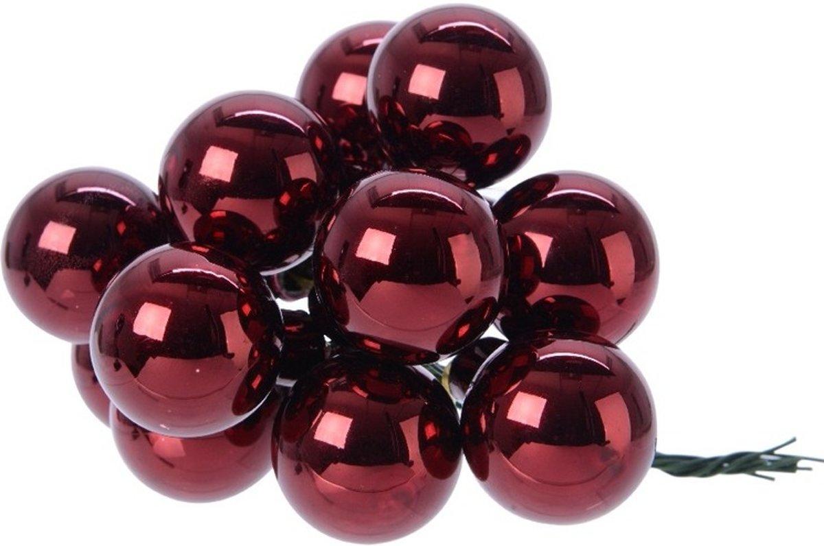 Donker rode kerstballetjes op steker voor kerststuk 2 cm kopen