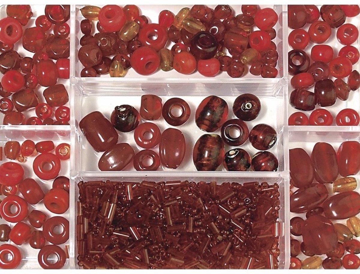 Opbergdoos donkerrode glaskralen 115 gram - kralen kopen